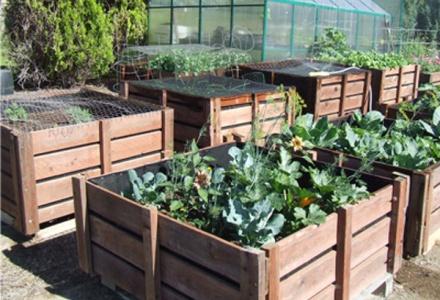 diy pallet garden bins